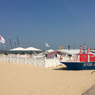 River Woods Beach Club / Knokke Out in Knokke-Heist